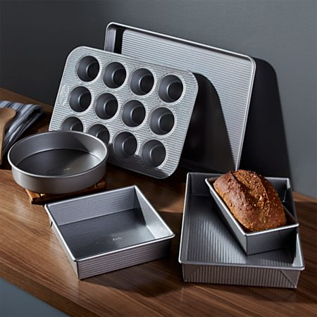 Major 4 Benefits of Using The Best Bakeware Set